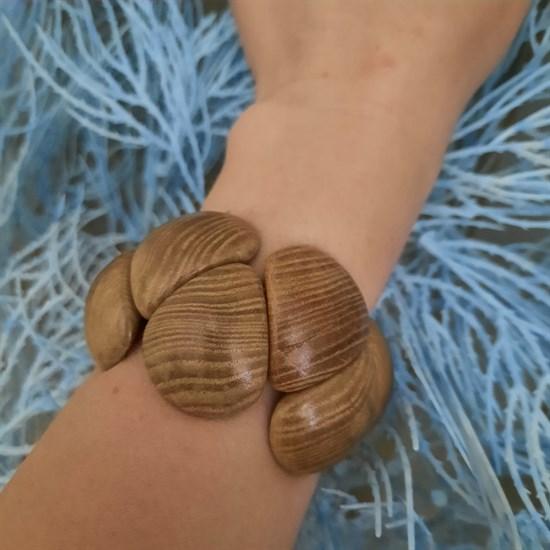 """Деревянный браслет """"Черепашка"""" из ясеня (на руке)"""