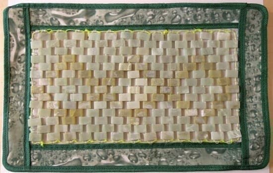 Нефритовая подушка/ коврик, 36х25 см - фото 4952
