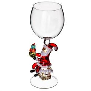 """Новогодний бокал из стекла ручной работы """"Дед Мороз на трубе"""""""