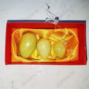 Яйца нефритовые