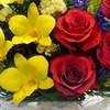 """Цветы в стекле """"Медовик"""" композиция из натуральных роз фото крупным планом"""